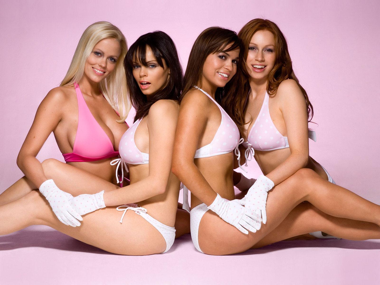 Группа голых красавиц Автору
